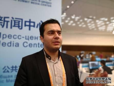 图为伊朗记者穆斯塔法・鲁哈尼・内贾德。(中国日报网孙若男摄)